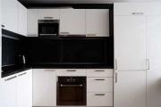 Černo-bílá kuchyně