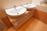 Koupelna světlá dvojumyvadlo